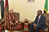SM el Rey Mohammed VI llega a Dar es Salaam para una visita oficial a Tanzania