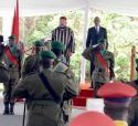 SM el Rey Mohammed VI recibido con honores en Kigali