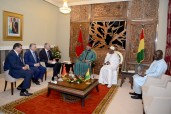 HM the King, Guinean President Hold Tête-à-Tête Talks in Conakry