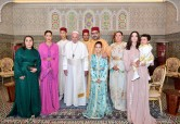 HM King Mohammed VI, accompanied by the royal family poses for a souvenir photo with His Holiness Pope Francis