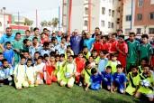 INDH: SM el Rey Mohammed VI inaugura un campo deportivo de proximidad en Casablanca