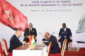 SM el Rey y el Presidente Marfileño presiden en Abiyán la ceremonia de firma de seis acuerdos de cooperación bilateral