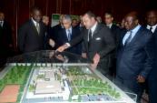 SM el Rey lanza en Abiyán las obras de construcción de un complejo de formación en el sector de construcción y obras públicas y de turismo