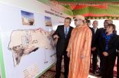 SM el Rey inaugura en Dajla proyectos de saneamiento y de abastecimiento de agua potable