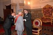 صاحب الجلالة الملك محمد السادس يوشح الجنرال دوكور دارمي بوشعيب عروب بالحمالة الكبرى لوسام العرش