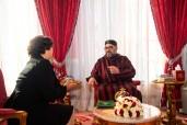SM le Roi Mohammed VI reçoit au Palais Royal de Rabat Mme Latifa Akharbach et la nomme présidente de la Haute Autorité du Conseil supérieur de la communication audiovisuelle