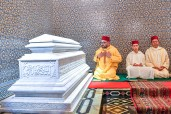 HM King Mohammed VI, Commander of the Faithful, chairs at the Mohammed V Mausoleum in Rabat, a religious evening in commemoration of the 21st anniversary of the passing of late King Hassan II