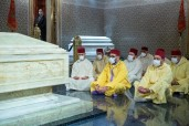 HM King Mohammed VI, Commander of the Faithful, Visits Grave of Late HM King Mohammed V