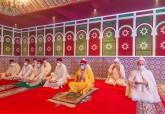 Fez - HM King Mohammed VI, Commander of the Faithful, performs the Eid Al-Fitr prayer