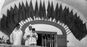 رفقة والده بمناسبة خطاب العرش - 1965