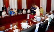 SM el Rey y el presidente nigeriano presiden el acta de lanzamiento de un partenariado estratégico para desarrollar la industria de fertilizantes en Nigeria