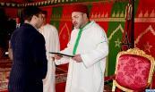 """SM el Rey Mohammed VI inaugura, en la comuna urbana en Dar Bouaazza (Provincia de Nouaceur), el segundo tramo del proyecto inmobiliario """"Al Amal"""" que se refiere a la construcción de 1.000 unidades de vivienda social"""