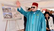 SM el Rey Mohammed VI coloca la primera piedra de un centro de formación y de animación del tejido asociativo en el barrio El Hank en la prefectura de distritos de Casablanca-Anfa