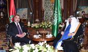SM el Rey Mohammed VI rinde una visita de cortesía al Servidor de los Lugares Santos del Islam, el Rey Abdallah Ibn Abdelaziz Al-Saoud, en su residencia en Bouskoura