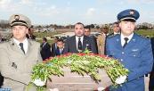 Su Majestad el Rey Mohammed VI se recoge en el cementerio de los mártires de Sijoumi cerca de la capital Túnez