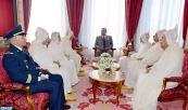 SM el Rey Mohammed VI, Amir Al Muminin, recibe, en el palacio Real de Rabat, a los miembros de la delegación oficial que viajará a los Lugares Santos del Islam para la peregrinación