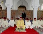 """SM el Rey, Amir Al Muminin, inaugura en Rabat la mezquita """"Al Oukhoua Al Islamiya"""" y cumple en ella la oración del viernes"""