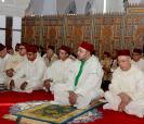 SM el Rey Mohammed VI, Amir Al Muminin, cumple la oración del viernes en la mezquita Al Amal en Casablanca