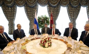 HM the King Offers Luncheon in Honour of Russian PM