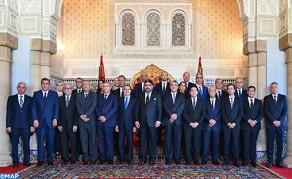 Sa Majesté le Roi reçoit le chef du gouvernement et les membres du gouvernement dans sa nouvelle mouture après sa restructuration