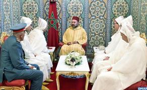 SM le Roi, Amir Al Mouminine, reçoit la délégation officielle devant se rendre aux Lieux Saints de l'Islam pour le pèlerinage