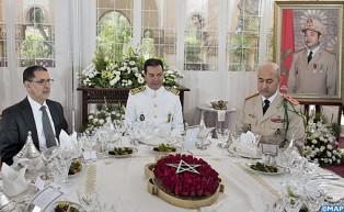 ذكرى تأسيس القوات المسلحة الملكية: صاحب السمو الملكي الأمير مولاي رشيد يترأس مأدبة غداء أقامها جلالة الملك بالمناسبة