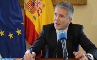 El ministro español del Interior destaca los esfuerzos de Marruecos en la lucha contra las redes de tráfico de migrantes