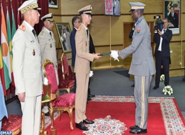 SAR el Príncipe Heredero Moulay El Hassan preside en Kenitra la ceremonia de graduación de la 19ª promoción del Curso Superior de Defensa y la 53ª promoción del Curso Estado Mayor