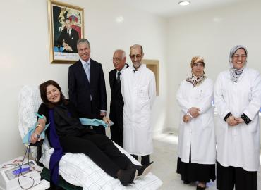 SAR la Princesse Lalla Hasnaa fait don de sang