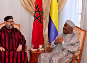 SM le Roi rend visite au Président gabonais, M. Ali Bongo Ondimba, à l'Hôpital militaire de Rabat
