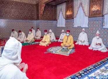 SM el Rey, Amir Al-Muminin, cumple la oración de Aíd al Fitr