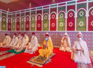 HM the King, Commander of the Faithful, Performs Eid Al-Fitr Prayer