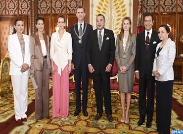 جلالة الملك يوشح عاهلي المملكة الإسبانية بقلادة الوسام المحمدي