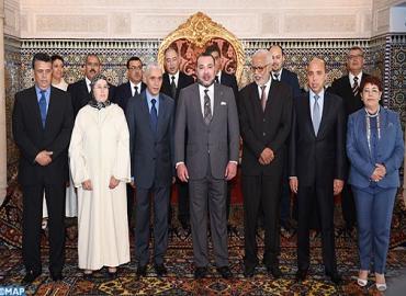 Suite au renouvellement du bureau de la Chambre des Représentants, SM le Roi reçoit le président et les membres du bureau