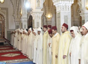 أمير المؤمنين يترأس بمسجد