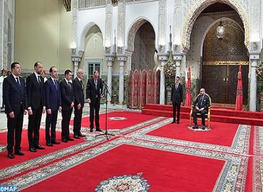 Su Majestad el Rey recibe a los cinco nuevos ministros que el Soberano nombró miembros del Gobierno