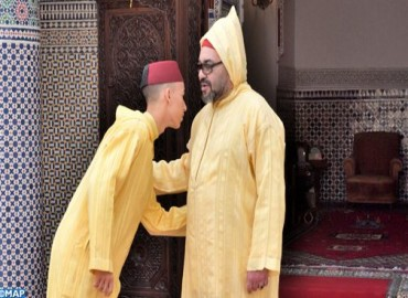 HM the King Performs Eid Al Fitr Prayer, Receives Wishes on this Joyful Occasion
