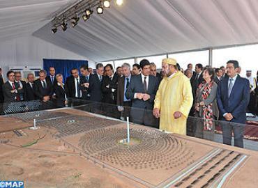 SM el Rey preside la ceremonia del lanzamiento de las obras de realización de la primera central del complejo solar integrado de