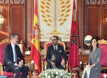 """صاحب الجلالة الملك محمد السادس يتباحث مع العاهل الإسباني جلالة الملك """"ضون"""" فيليبي السادس"""