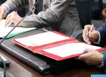 جامعة بني ملال توقع اتفاقية لتعزيز ثقافة حقوق الإنسان داخل الوسط الجامعي