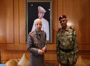 الجنرال دوكور دارمي المفتش العام للقوات المسلحة الملكية وقائد المنطقة الجنوبية يستقبل رئيس أركان القوات المسلحة الجيبوتية