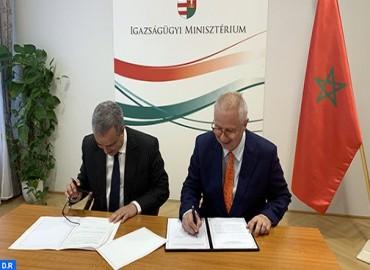 وزير العدل المغربي ونظيره الهنغاري يوقعان ببودابست اتفاقيتين في مجال التعاون القضائي