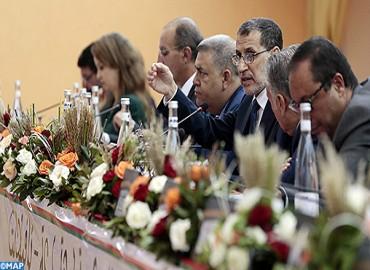 Le chef du gouvernement préside à Errachidia une réunion avec les présidents des commissions et les membres du bureau du Conseil régional de Drâa-Tafilalet