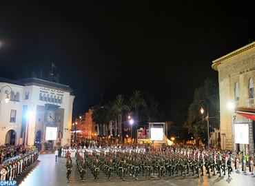 Fête de la jeunesse: La retraite aux flambeaux de la Garde Royale illumine les principales artères de Rabat