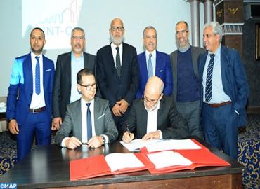 Signature d'une convention collective entre l'UNTM et l'entreprise Saint-Gobain Abrasifs Maroc