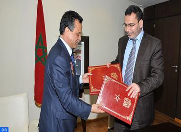 توقيع عقد برنامج بين وزارة الاتصال والمكتب المغربي لحقوق المؤلفين