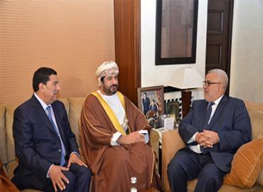 رئيس الحكومة يجري مباحثات مع وزير الخدمة المدنية العماني