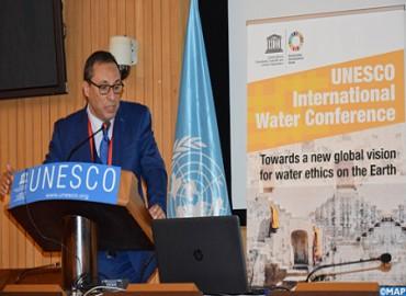 Abdelkader Amara participa en París en una conferencia de alto nivel sobre el desafío del acceso al agua
