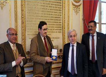 M. Kayouh reçoit la médaille d'or du Sénat français
