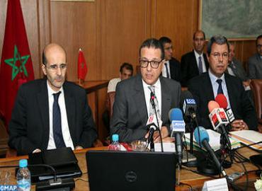 تقديم مشروع قانون المالية 2015 للصحافة